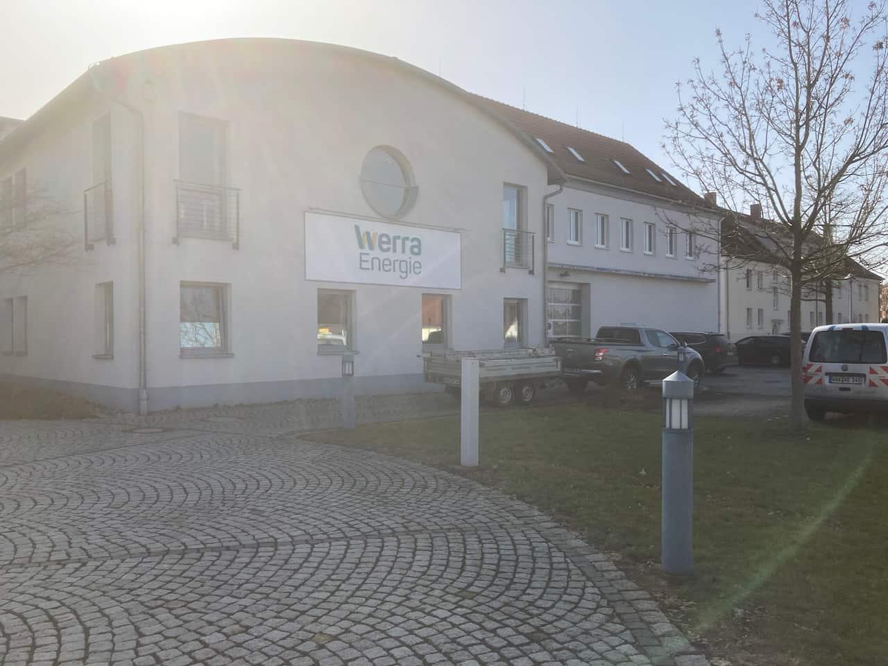 Firmengebäude WerraEnergie mit neuem Logo